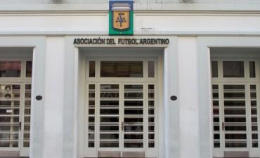 El presidente de Lanús blanqueó trasfondos políticos del conflicto en AFA