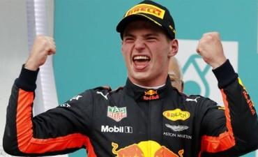 GP de Malasia de Fórmula 1. Verstappen festejó en una carrera que tuvo la gran remontada de Vettel