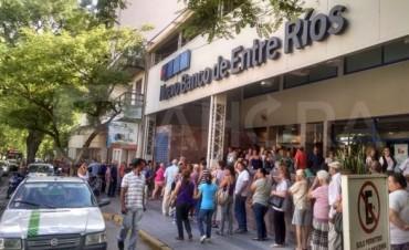 """Piden informe sobre préstamos """"Limpieza de Salarios"""" del BERSA"""