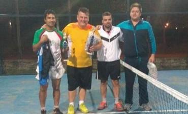 Torneo de padel en Club Talleres auspiciado por el Municipio