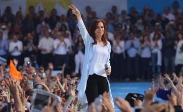 Ante una multitud : Cristina cerró campaña con fuertes críticas a Macri: