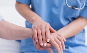 Se necesitan 100.000 enfermeros más en el país: Buscan promover la carrera