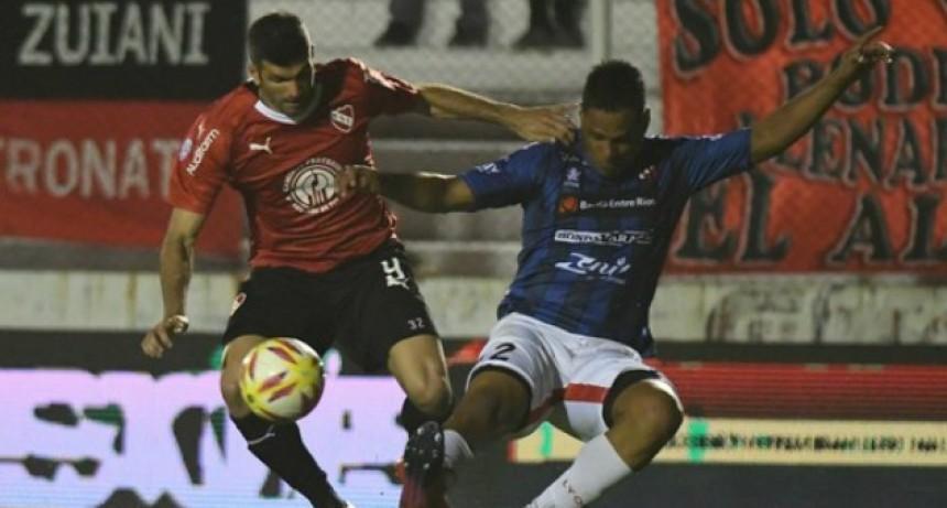 Patronato no pudo ante Independiente y perdió en el Presbítero Bartolomé Grella