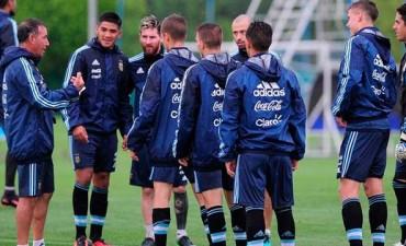 Selección Argentina: Así formaría el equipo que este martes enfrenta a Colombia