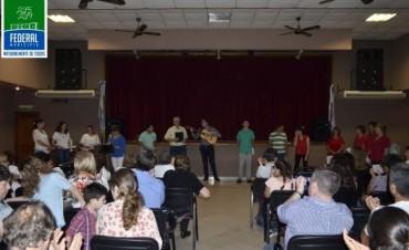 Encuentro coral en el Salón Cultural