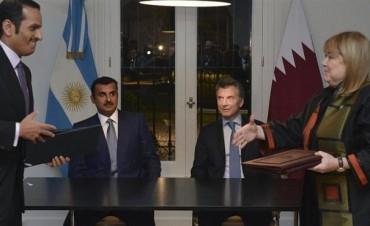 Denuncian a Macri y parte del gabinete por un memorando con Qatar