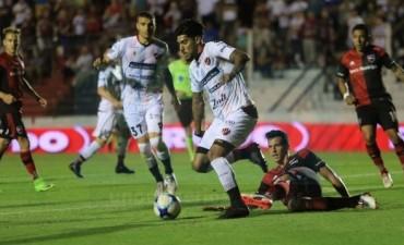 Patronato no pudo con Newell´s en el Grella donde igualaron sin goles