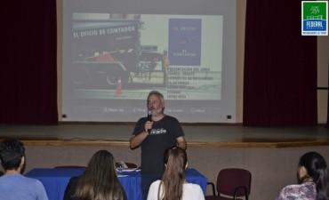 Juan Menoni presento su libro