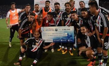 River goleó a Morón y es nuevamente finalista de la Copa Argentina