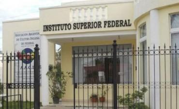 Para el Instituto Superior de Educación de Federal E 235