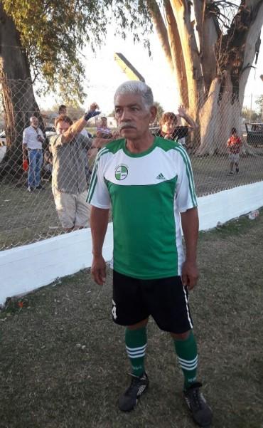 Con 70 años se despidió del fútbol en Federal