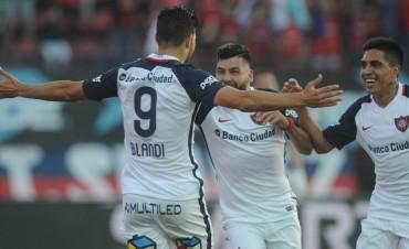 San Lorenzo venció a Atlético Tucumán y alcanzó a Boca en lo más alto de la Superliga