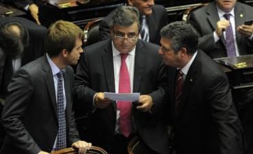 Disidencias y malestar dentro de la UCR por el decreto de Macri sobre el blanqueo