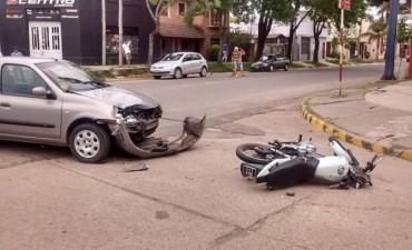 Conmoción por la gravedad de accidente de dos jóvenes federalenses.