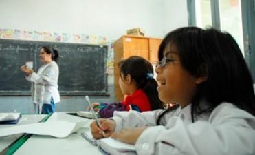 Inician el lunes concursos docentes para titularización de más de 2.500 cargos