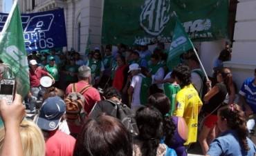 Multitudinaria marcha de trabajadores exigió respuestas al gobierno