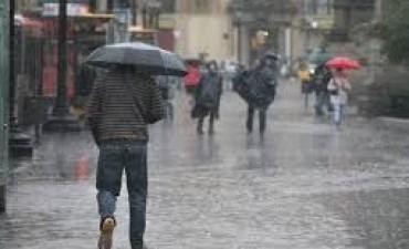 Pronostican precipitaciones para el domingo y un lluvioso inicio del verano