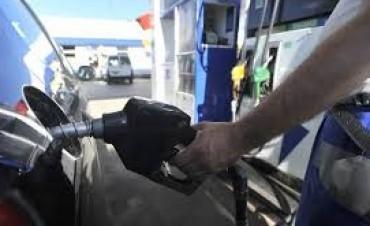 La nafta aumentará cada tres meses y en enero la suba será del ocho por ciento