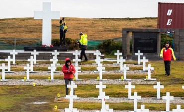 La Cruz Roja identificó a 88 soldados enterrados en Malvinas tras la guerra