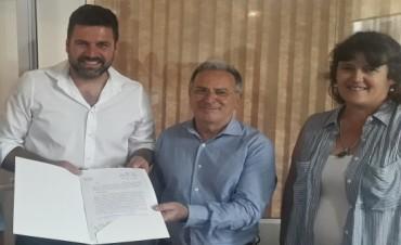 Se firmó el contrato para dar inicio a la sistematización de la cañada Los Tigres en Federal