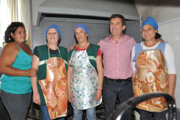 El gobierno trabaja para regularizar la situación de 760 cocineras