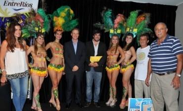 En Buenos Aires, Bordet invitó a los turistas a visitar Entre Ríos