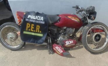 Policía secuestra una moto que había sido robada