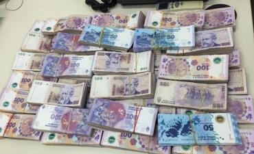 La AFIP secuestro dinero y mercadería ilegal en Misiones