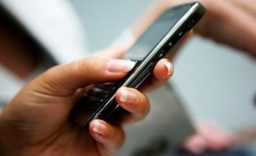El vecino puede reclamar al municipio mediante un mensaje de texto por celular