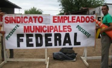 Gestiones que tiene su fruto: Los trabajadores municipales cobraran un bono