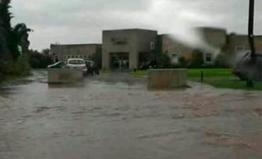 Por qué llueve tanto en tan poco tiempo: Meteorólogo explica el fenómeno
