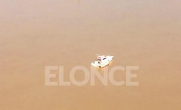 Accidente náutico: Encontraron flotando los salvavidas y convocaron a baqueanos