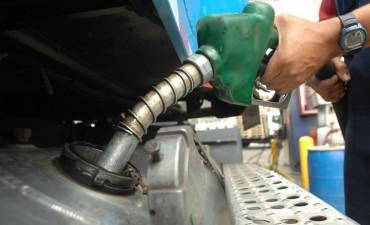 La nafta cuesta hasta tres pesos más cara en Entre Ríos que en Capital Federal