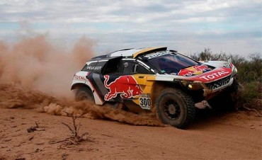 Crece la leyenda de Peterhansel y logró su 13º título en el Rally Dakar: Sunderland en motos