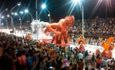 Con más de 27.000 espectadores, empezó el Carnaval de Gualeguaychú