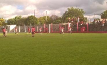 En el único partido jugado en la Provincia , Las Flores empato de local con el D. Mantero .