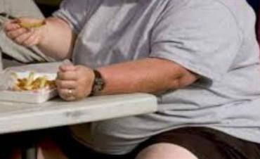 Obesidad: el país, al tope en venta de comida rica en azúcar, grasa y sal