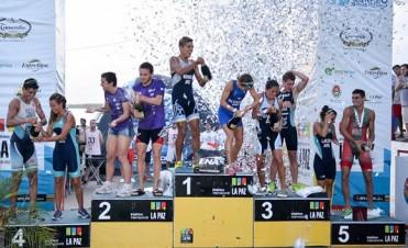 Delfina Álvarez y Flavio Morandini fueron los ganadores del Triatlón de La Paz