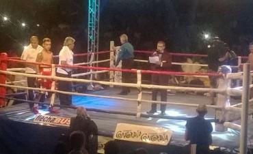Multitudinaria noche de Boxeo en Concordia