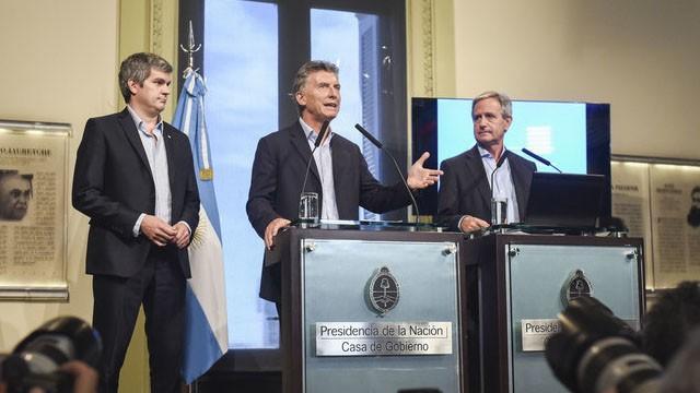La Nación dice que Macri sí avanza sobre los empleados públicos provinciales