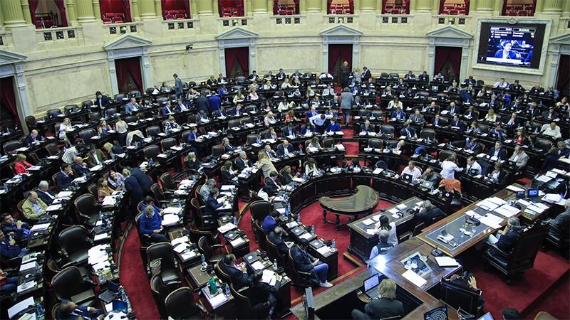 En el Congreso nacional se resisten a restringir el ingreso de familiares