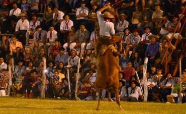 Comienza el Festival Nacional de Jineteada y Folklore en Diamante