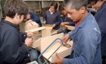 Advierten que por la burocracia se subejecutan programas de educación técnica