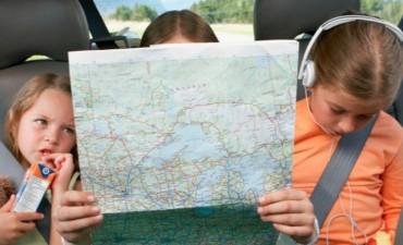 Los requisitos para viajar en auto al exterior con niños