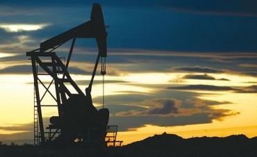 Argentina, lejos del autoabastecimiento energético: se importa más crudo, baja la producción y las regalías