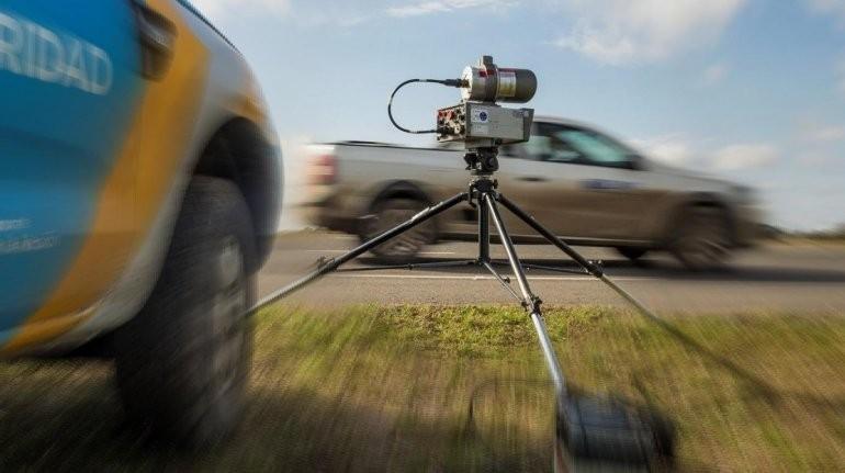 Radares móviles y sorpresivos en rutas entrerrianas: avisan mil metros antes