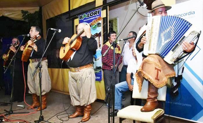 La música del Litoral, fue la protagonista en la noche del sábado