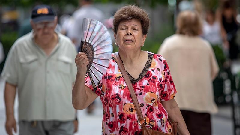 Explican los motivos del intenso calor y por qué hay tanta humedad