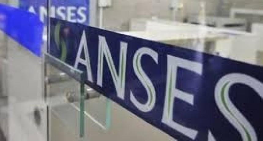 Varones titulares de la AUH podrán acceder al Programa Crédito de Anses