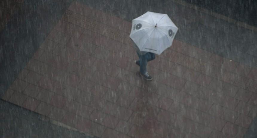 ¿Burbujas en charcos, son sinónimo de más lluvia?: La explicación científica